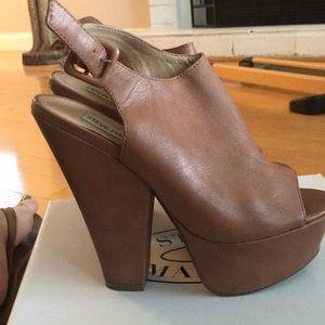 Steve Madden platform cognac heel